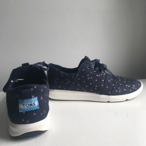 toms navy blue with rose gold stars sneakers💘
